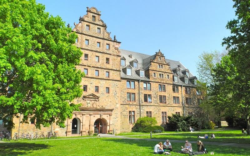 Reiseziel Neues Schloss und Zeughaus