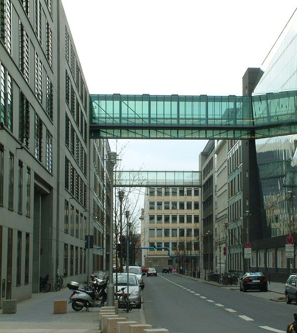 Reiseziel Glaszaun am Jakob-Kaiser-Haus