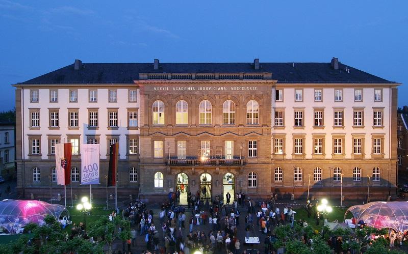 Justus-Liebig-Universität Hauptgebäude