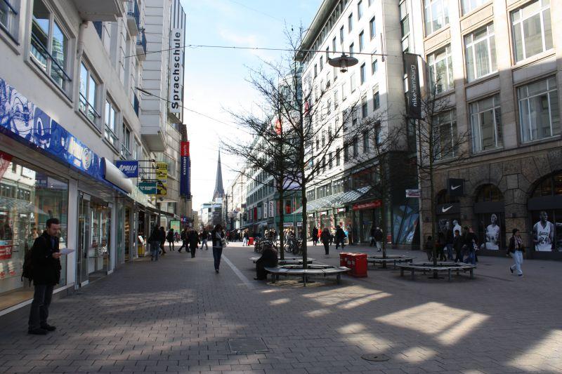 Einkaufsmeile Spitaler Straße