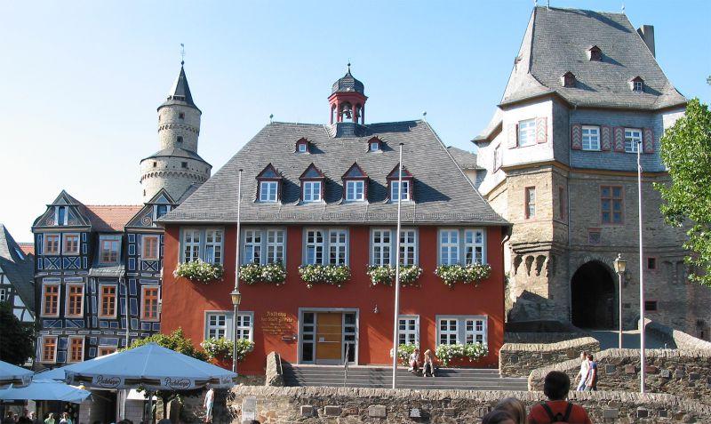 Rathaus (1698)