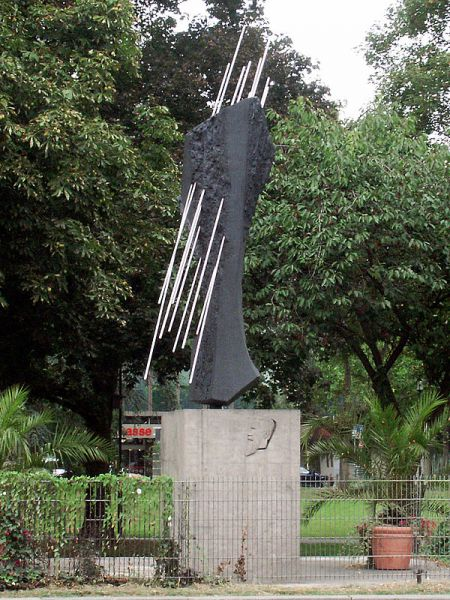 Roentgen-Denkmal