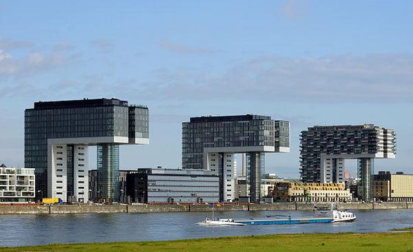 Reiseziel Kranhäuser im Rheinauhafen