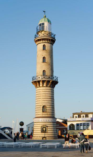 Reiseziel Leuchtturm Warnemünde
